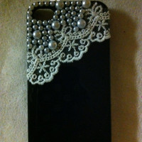Lace and pearls iPhone 4 case in black