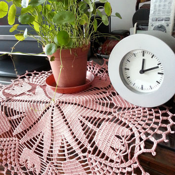 Crochet Tablecloth Dusty Pink Tulip Flower Lace Doily Table Centerpiece Shabby Chic Home Decor Unique Gift