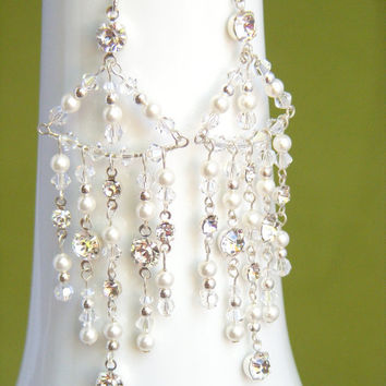 Bridal chandelier earrings, pearl and crystal earings, bling bling earrings, rhinestone earings. JENNIFER Small