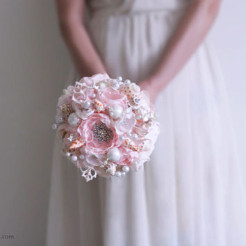 Seashell wedding bouquet . Petal and ivory wedding bouquet. Beach wedding bouquet. Brooch Bouquet