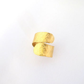 Hammered thumb ring, adjustable bypass gold brass ring, unisex jewelry, gift under 30
