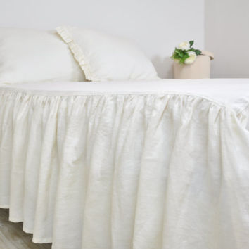 Linen Bed Skirt, Custom Dust Ruffle in Full Queen King - Ruffled, Gathered Bedskirt - Cream, Ecru, Off White, Cottage, Shabby Chic Bedding