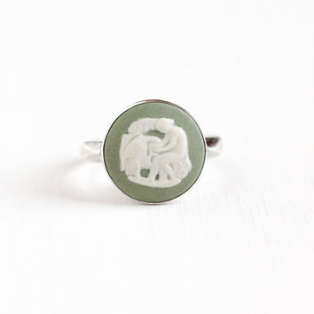 Vintage Sterling Silver Wedgwood Goddess Bird Cameo Ring - Retro Size 7 English Round Light Green Jasperware London England 1975 Jewelry