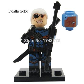 Batman Dark Knight gift Christmas 30pcs XH 219 Building Blocks Super Heroes Deathstroke Red Hood Jason Superman Aqua Man Batman Lex Luther Bricks Toys Children AT_71_6
