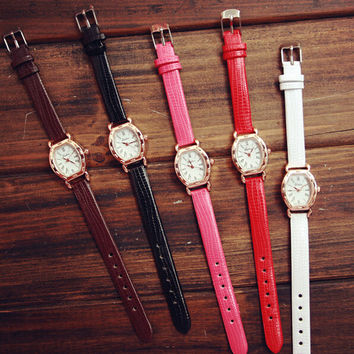 Women Retro Classic Watch Gift - 536