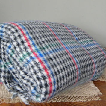 Vintage plaid throw stadium blanket - herringbone pattern white black blue red - fringe on two sides