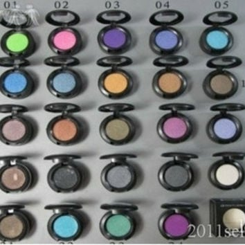 MAC 24 COLORS 1.5G PIGMENT EYESHADOW WITHCOLOR NAME 5PC