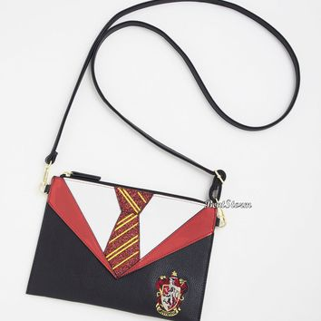 Licensed cool Harry Potter Danielle Nicole Gryffindor Outfit Robe Clutch Crossbody Bag Purse