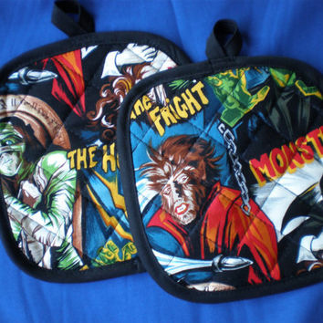 Robert Kaufman Hollywood movie monster pot holders Limited Quantity