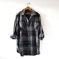 Vintage boyfriend flannel / oversized shirt / grunge shirt / tomboy shirt / plaid flannel