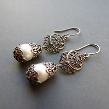Vintage white pearl earrings, wedding, bridal / oxidized silver plated brass, freshwater pearl, ornate filigree