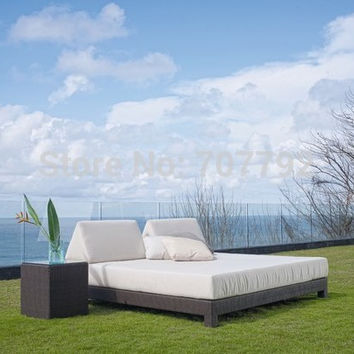Outdoor Daybed with Canopy features a unique and elegant design