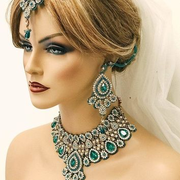 Teal Blue Indian Bridal Jewelry Set, Bridal Necklace and Earring Set, Tikka Indian Hair Jewelry, Kundan Jewelry Set, Bollywood Jewelry Set