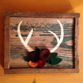 Reclaimed wood antlers sign with felt flowers