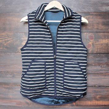 Lightweight Navy & White Stripe Quilted Puffer Vest   Navy