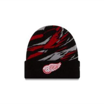 ONETOW NHL Detroit Red Wings Print Play Cuffed Knit Hat