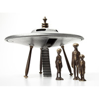 Metal Sculpture: Flying Saucer with Aliens