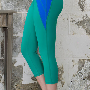 Emerald Green Moon Balance Capris