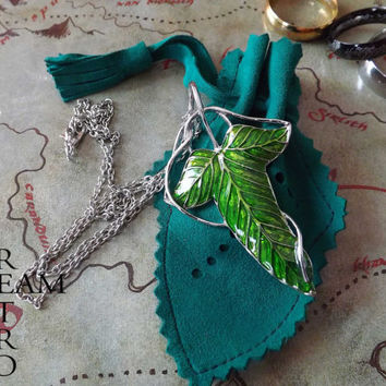 The Lord of the Rings Legolas Green Leaf brooch necklace with handmade Lothlórien pouch