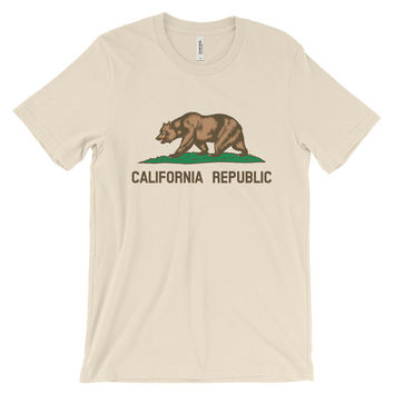Nature Shirt - Camping Shirt - Graphic Shirt - California Republic - California Shirt - Bear Shirt- Tumblr Shirt - Animals Shirt -Gifts