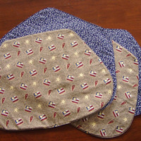 Placemats Patriotic Flags Hearts Stars Reversible full set of 4 great for any shape table