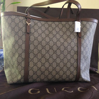 Large Gucci Shoulder Bag With Classic Pattern — Bib + Tuck