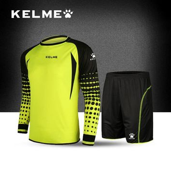 c32d1c9a80b KELME 2017 Goalkeeper Soccer Jerseys Sets Children Long Sleeve Doorkeepers Survetement  Kids Football Sponge Protector K15Z254