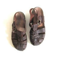 90s rugged brown sandals. leather huaraches. gladiator sandals. size 7