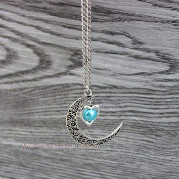 Women jewelry jewelry necklace - hollow out the moon with heart pendant - heart-shaped necklace - bridesmaid necklace, necklace friendship