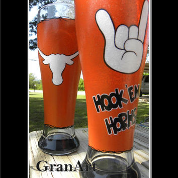 Longhorns Pilsner, Hand Painted Pilsner, Painted Pilsner, Painted Glass, Sports Pilsner, Sport Glass, Texas, Longhorns, hook 'em horns