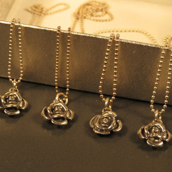 Bridesmaids necklace set of 4, silver rose necklaces, bridesmaid gift necklace, bridesmaid jewelry