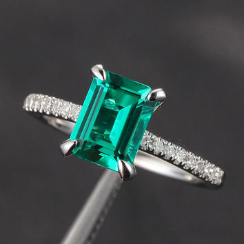 Claw Prongs VS Emerald SI 0.25ct Pave Diamond 14K by ThisIsLOGR