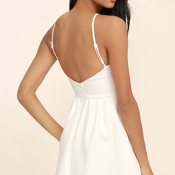 Oui Oui White Backless Skater Dress