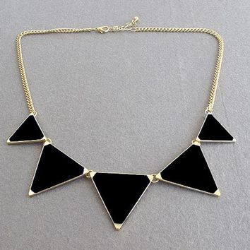 Hot Black geometrical Triangle Necklace Fashion choker necklace Jewelry for women vintage accessories -0330
