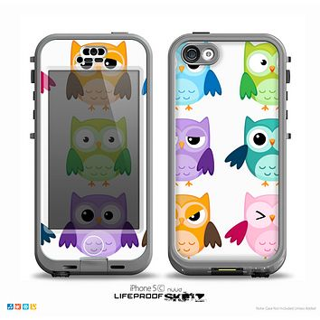 The Emotional Cartoon Owls v2 On White Skin for the iPhone 5c nüüd LifeProof Case