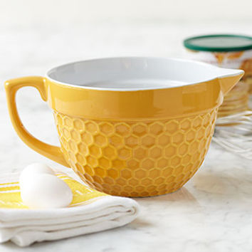 Batter Bowl Honeycomb Yellow | Baking | Stonewall Kitchen - Specialty Foods, Gifts, Gift Baskets, Kitchenware and Kitchen Accessories, Tableware, Home and Garden Décor and Accessories