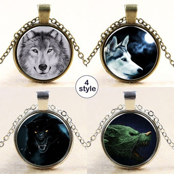 Fashion Wolf Totem Pattern Designed Metal Chain Pendant Delicate Charming Necklace Jewelry = 5617108673