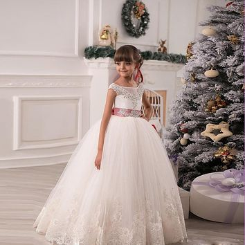 Custom Made Lace Appliques Ivory Ball Gown Flower Girl Dresses With Belt Beaded Crystal First Communion Dresses For Girls 2017