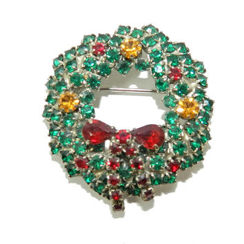 Vintage Emerald green Christmas Wreath Rhinestone Brooch, Japanned Back, Austrian Czech Glass Brooch, Holiday Jewelry Accessories, Gift