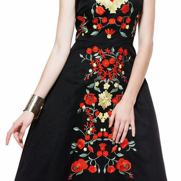 Black Sleeveless Floral Embroidered Dress