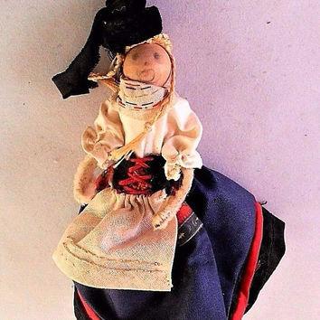 """Russian Female Clothespin Doll Traditional Dress Wooden Handcrafted Vintage 4.5"""""""