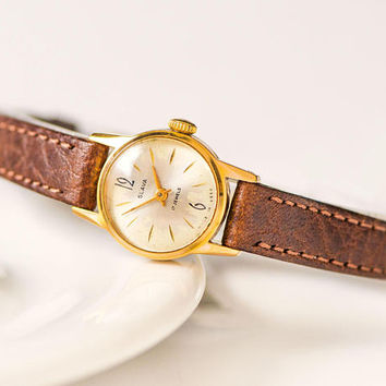 Very small women watch vintage. Gold plated women's watch Glory. Round classic watch for women. Tiny watch gift. New premium leather band