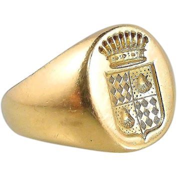 Antique armorial signet unisex ring in 18K solid gold, stamped count coronet family crest band