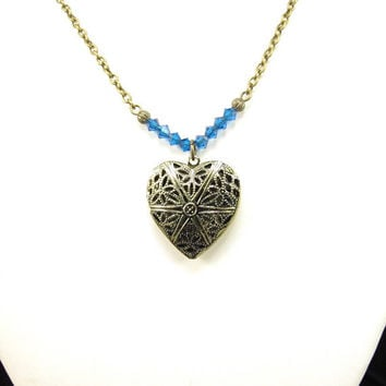 Aromatherapy Diffuser Necklace with Beautiful Filigree Essential Oil Locket, Filigree Locket, Beaded Necklace, Gift for HER, Heart Locket