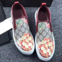Gucci: FLOWERS DESIGN LOAFER SHOES FLAT CASUAL SHOES Wine Red-Pink Flower G