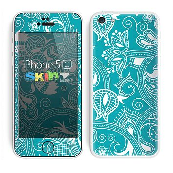 The Turquoise Fancy White Floral Design Skin for the Apple iPhone 5c