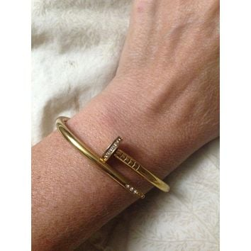 cartier bangle 16x16x10 yellow gold.