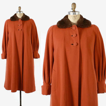 Vintage 50s COAT / Early 1950s Pumpkin Wool with Sheared Fur Collar Swing Coat with Full Sleeves, m - l