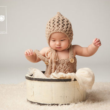 Beige Hand Knit Baby Romper and Bonnet Set / Knitted Baby Outfit / Newborn Photo Prop / Baby Overall Set / Baby Onesuit