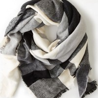 AEO Women's Plaid Blanket Scarf